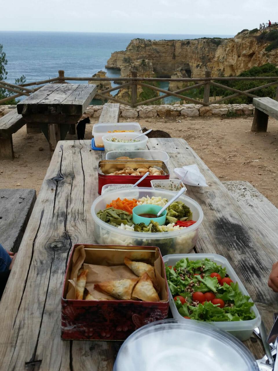 Yoga und Wandern - Schlemmerpicknick am Praia da Marinha