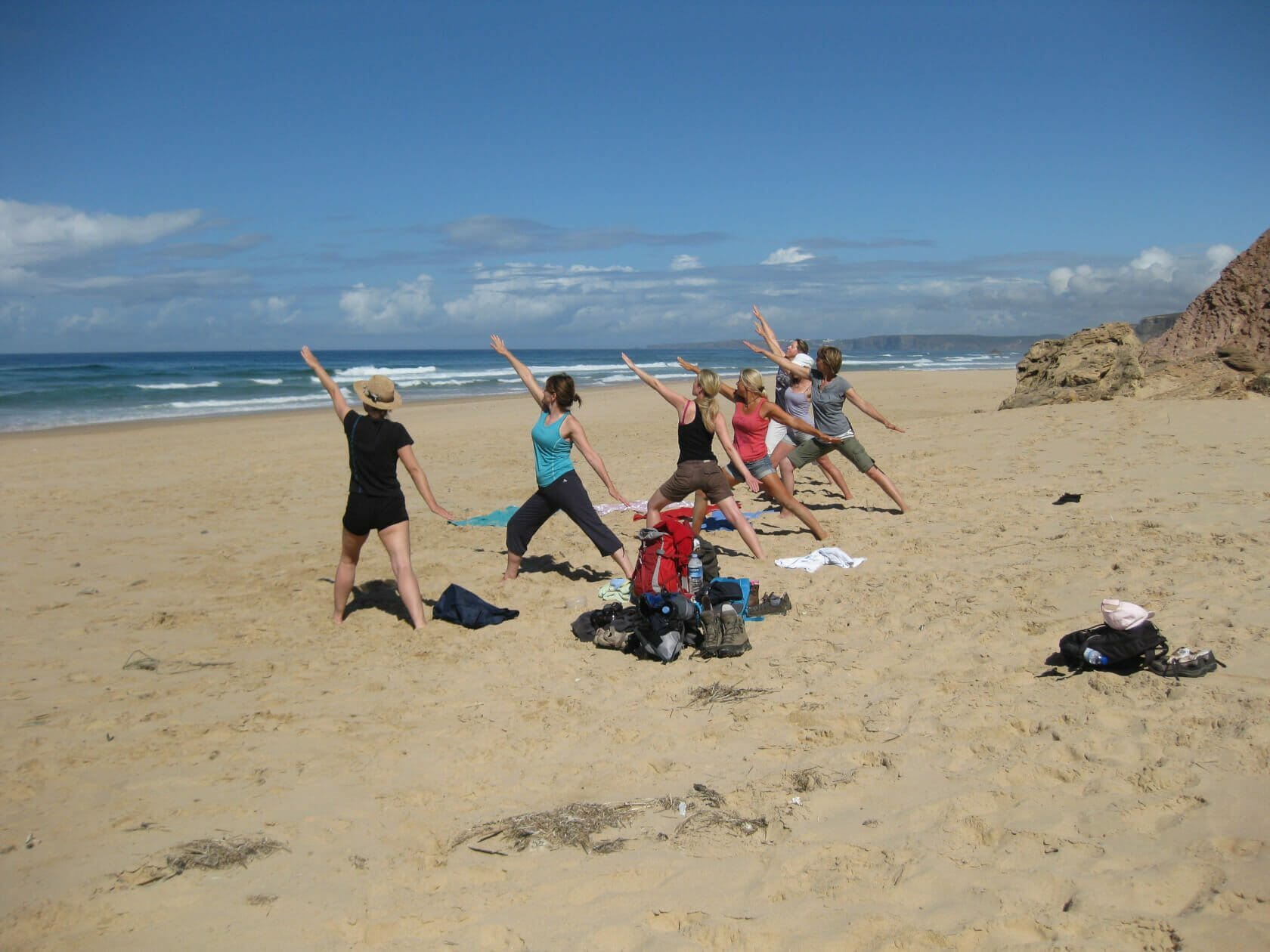 Yoga Asana Held am Sandstrand