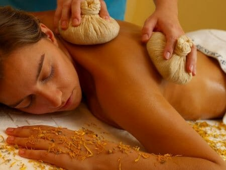 Massage im vier Sterne Suites Alba Resort & Spa