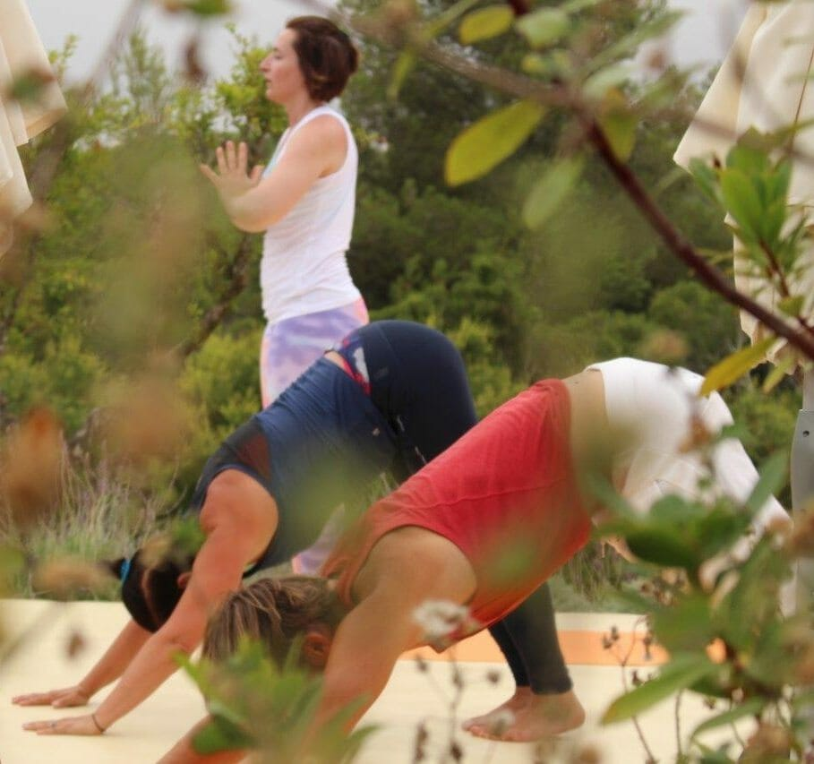 108 Sonnengrüße im Yoga Retreat