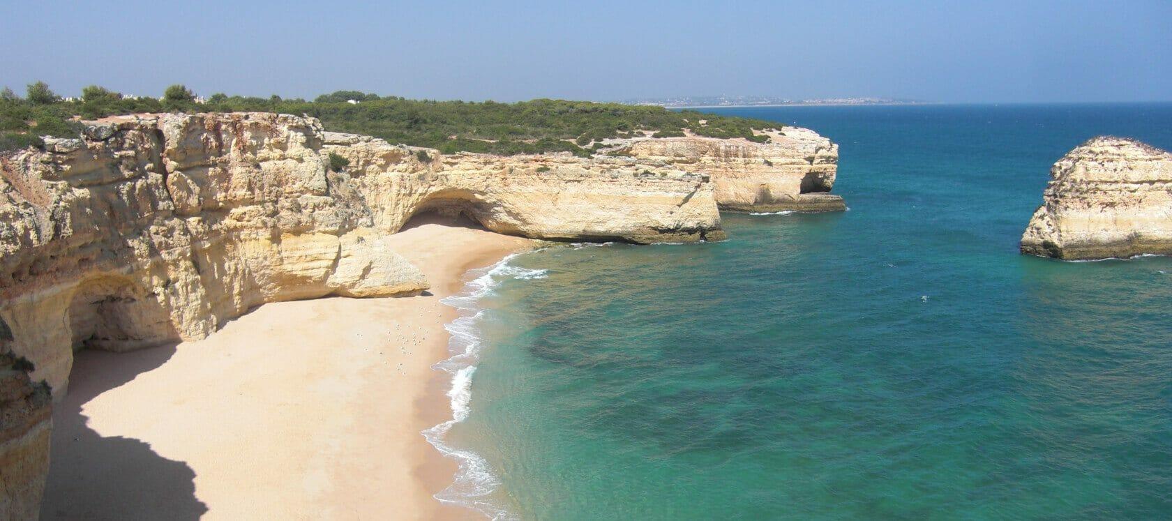 Tai Chi Urlaub am Meer - Algarve Felsenstrand