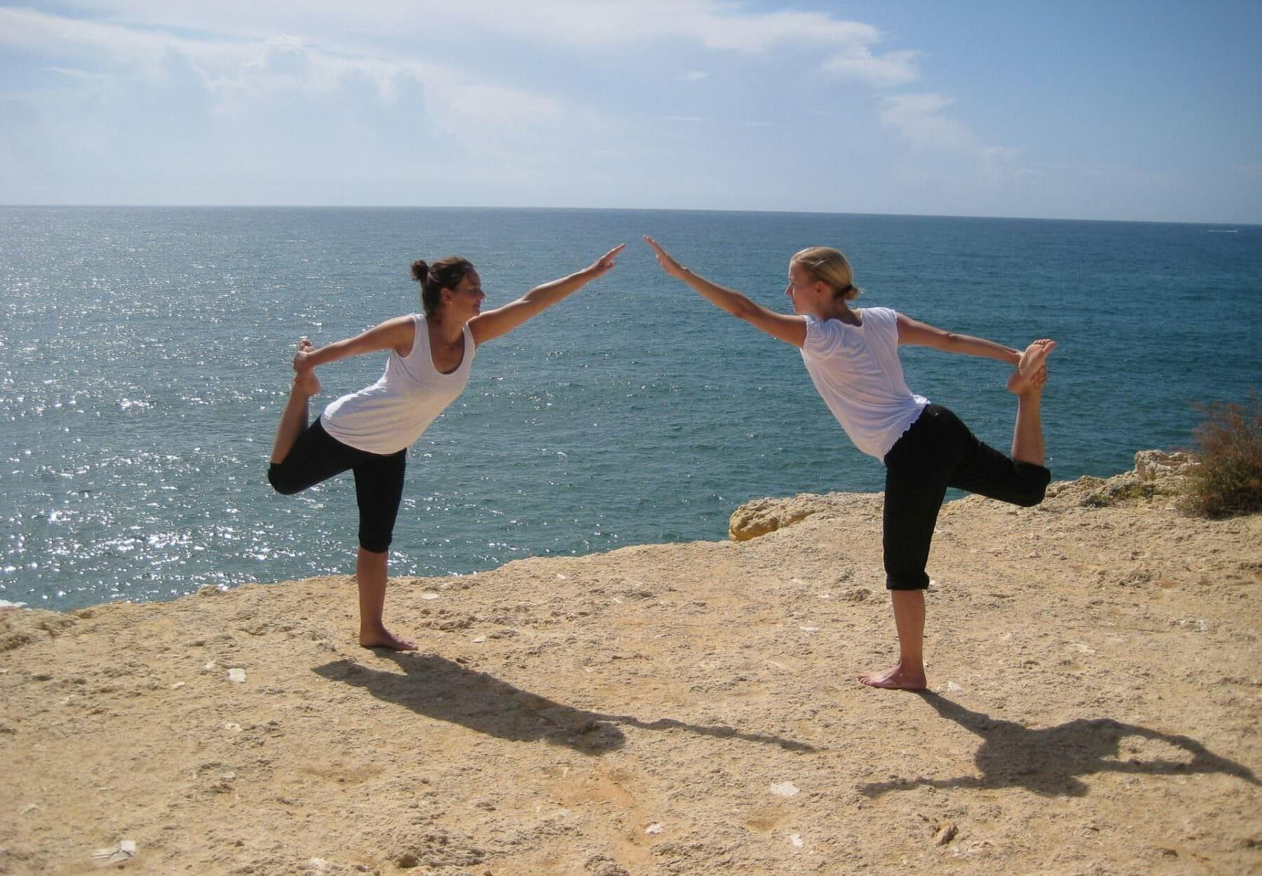 Yoga im Urlaub am Meer