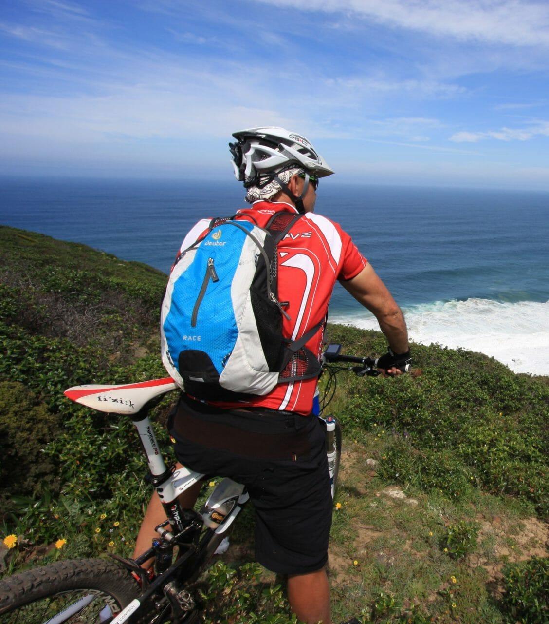 Bikepause mit Blick auf den Atlantik