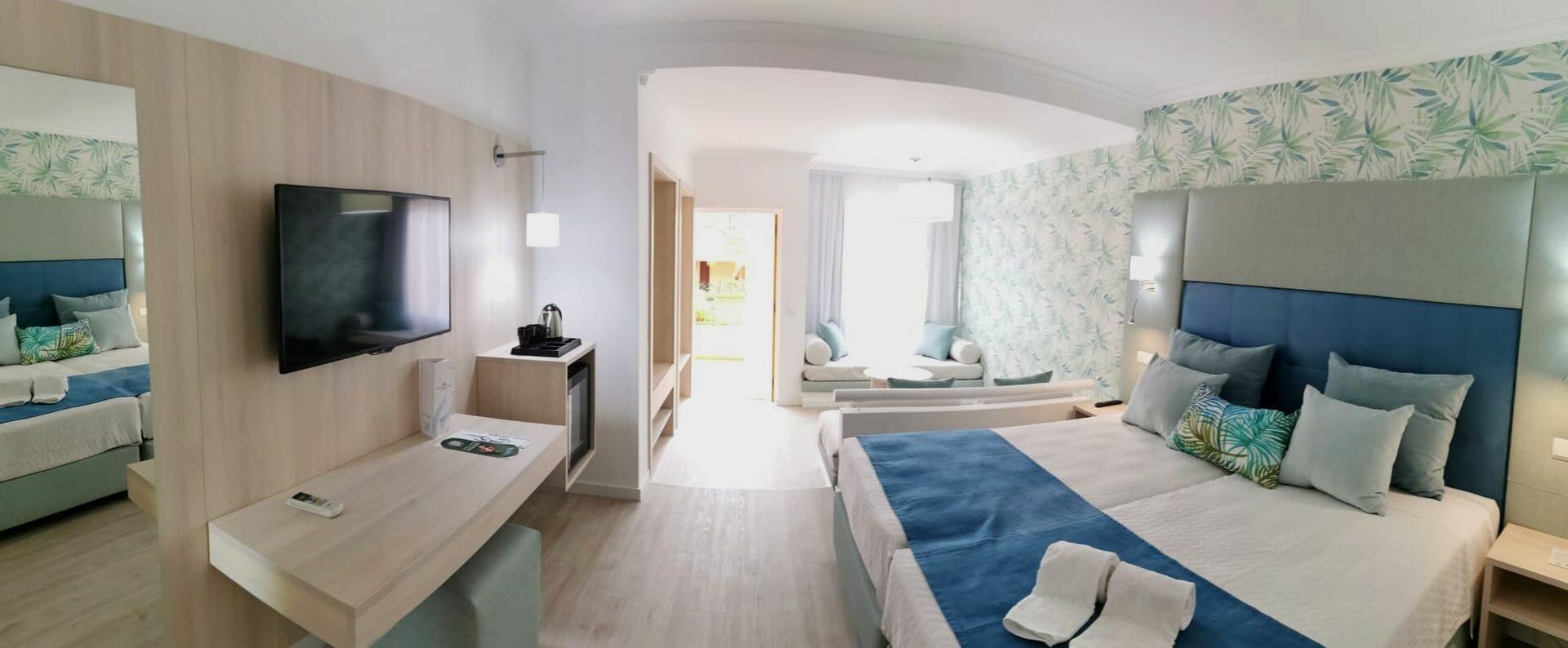 Modern twin room Baia Cristal